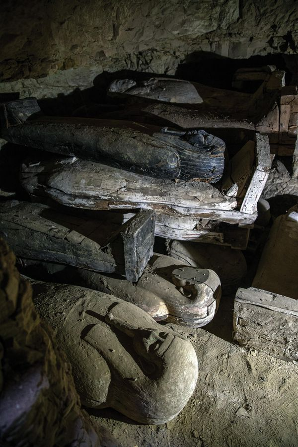 The variety of burials          inside the shafts