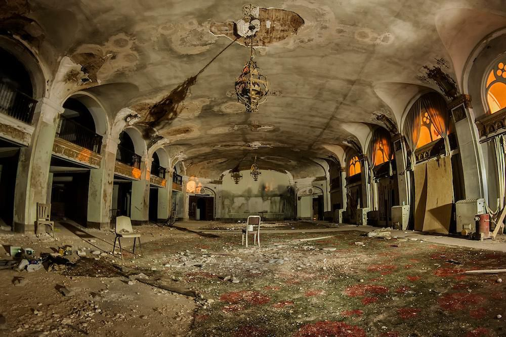 These Photographers Venture Into Derelict Buildings in Texas So That