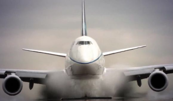 Preview thumbnail for video'747-8: A New Lift in Performance
