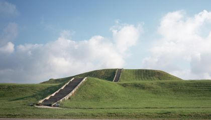 Why Did Cahokia, One of North America's Largest Pre-Hispanic Cities, Collapse?