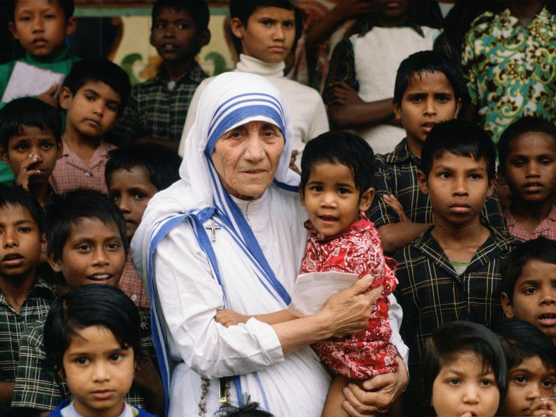 Mother Teresa Will Become An Official Saint Smart News Smithsonian
