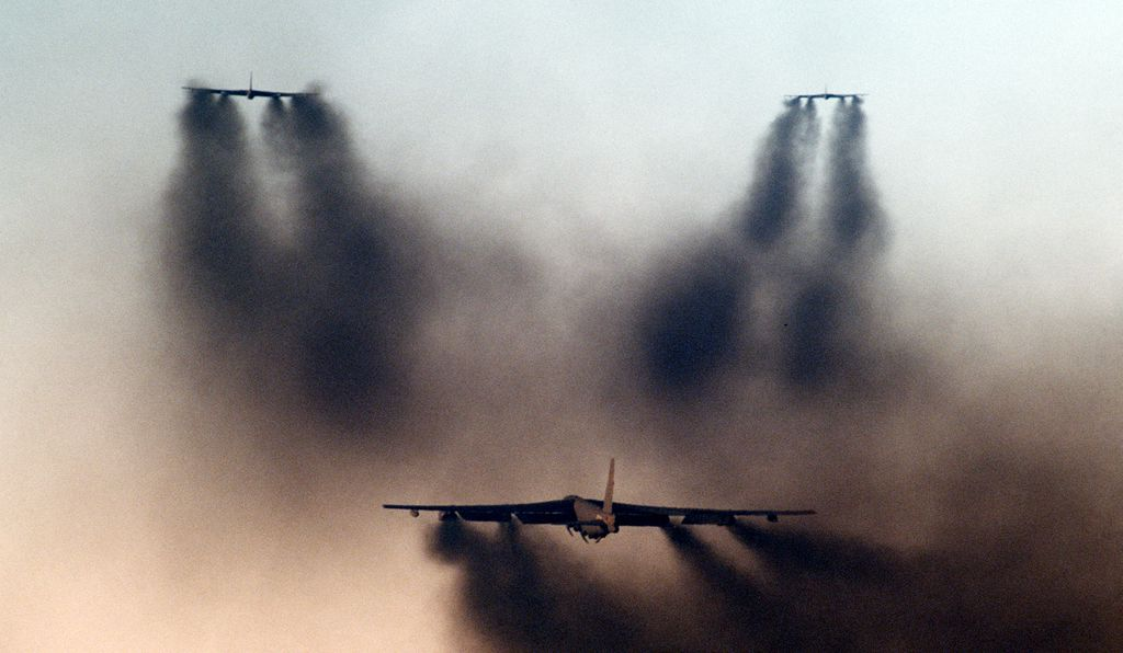 B-52s demonstrate how it once was (SSgt. Phil Schmitten/USAF)