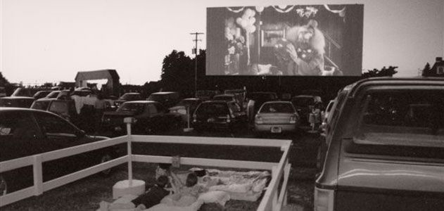 The history of the drive in movie theater arts culture for Drive in movie theaters still open
