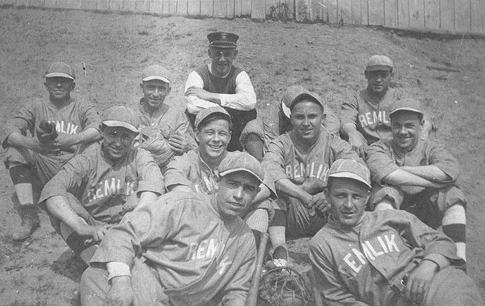 Sailors and soldiers to recreate World War I baseball game