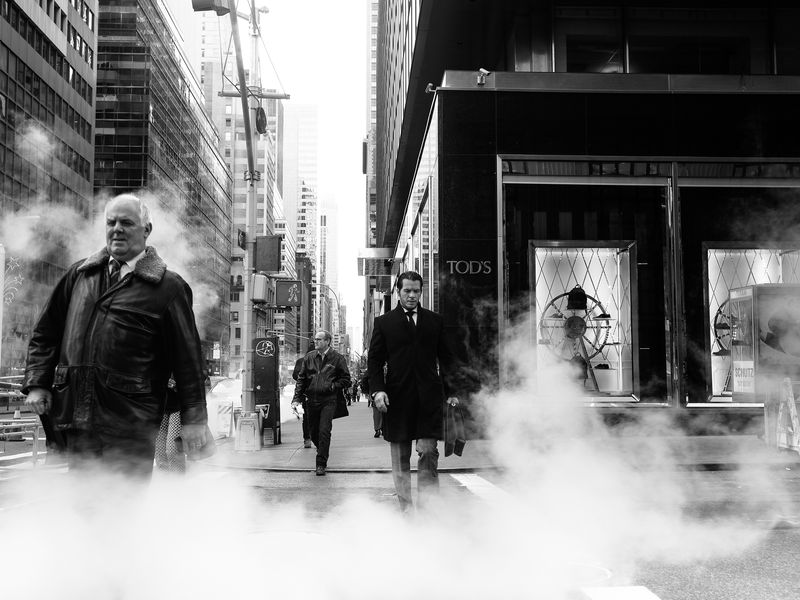 I made a series of pictures of the city's solitude. so I pictured the smoke and lonely people who I met on the street of New York City.