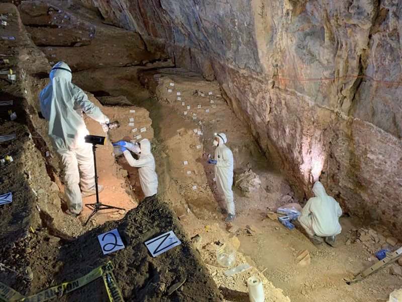 Scientists work in Chiquihuite cave