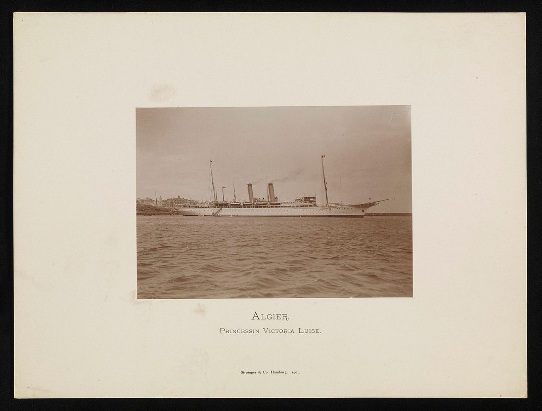 Photograph of the Victoria Luise at sea