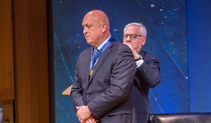 Ripken Receives Great Americans Medal
