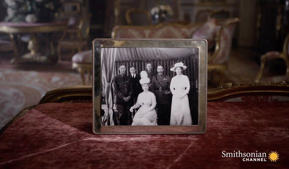 Preview thumbnail for video'Why the British Royal Family Made a Last Name Change During WWI