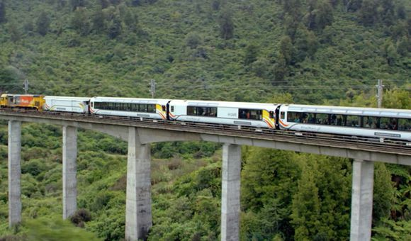 Preview thumbnail for video'This New Zealand Train Line Is a Panoramic Marvel