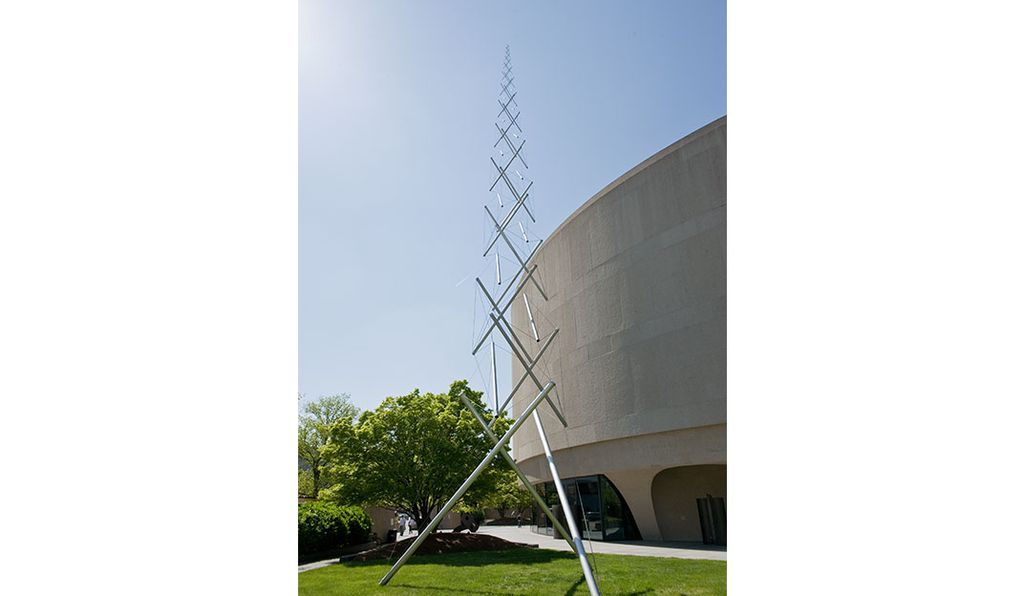 Kenneth Snelson's <em>Needle Tower,</em> a 60-foot sculpture of steel wires, looks like it might blow away.