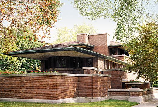 The triumph of frank lloyd wright history smithsonian for Prairie style house characteristics