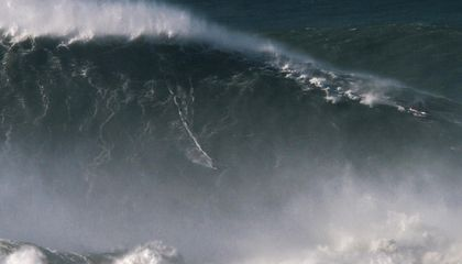 What It Took to Set the World Record for Surfing