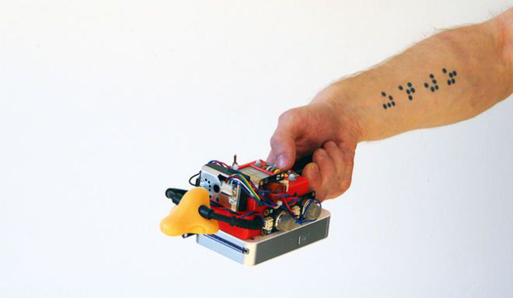 Morozov built a device, complete with a plastic nose, that uses sensors to gather pollution data.