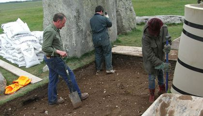 Dispatch from Stonehenge, Day 14