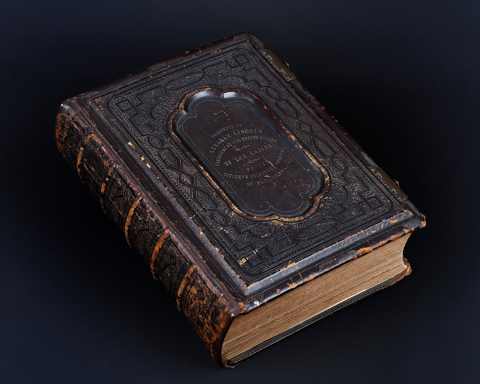 A Bible Owned by Lincoln, Unknown to Historians for 150 Years, Goes