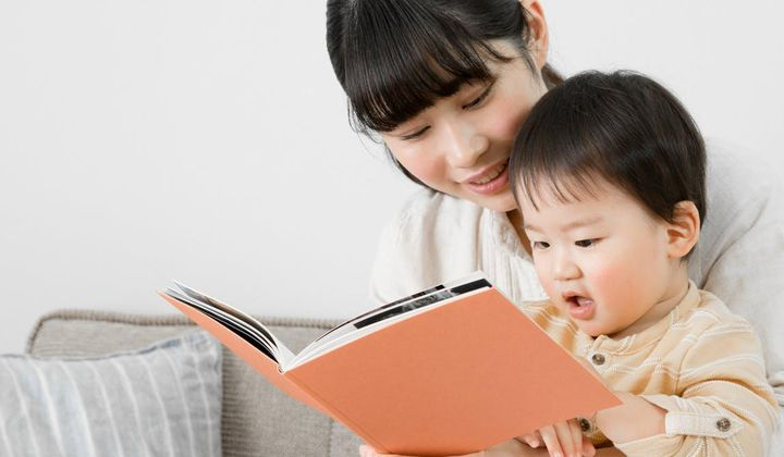What to Read to Your Baby and When
