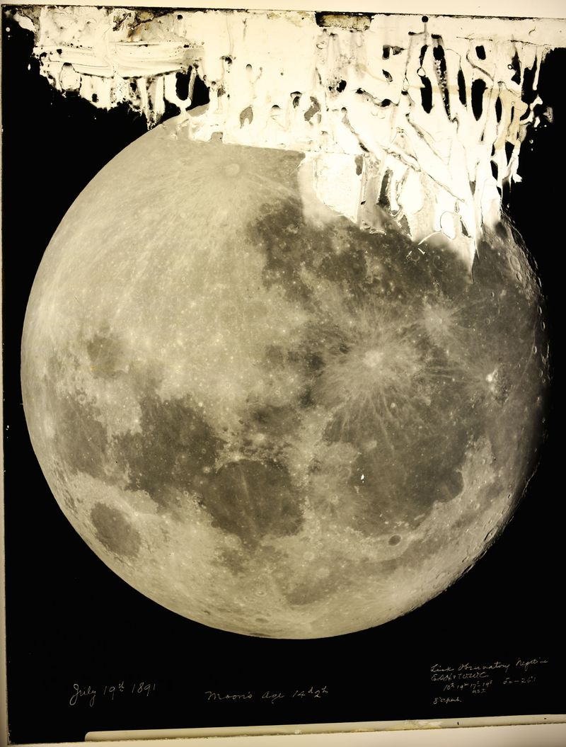 1f1ffa45bebeb An image of the moon on a glass plate from the collection of George Ellery  Hale