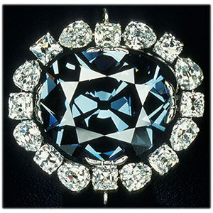 hope-diamond-closeup-chipclark_sq_sml.jpg