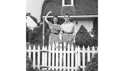 How Did the White Picket Fence Become a Symbol of the Suburbs?