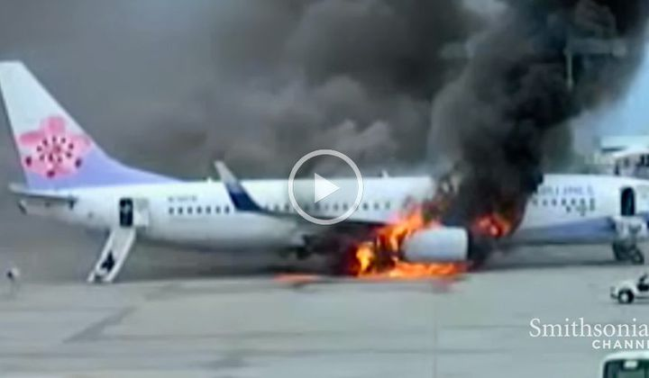 Footage of the China Airlines Flight 120 Explosion
