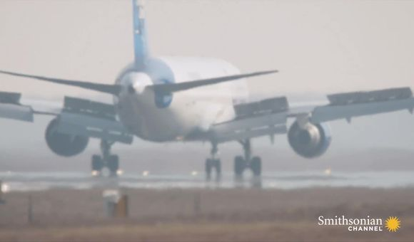 Preview thumbnail for video'This is What it Takes to Be an Air Traffic Controller