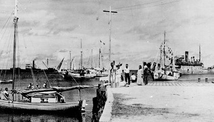 Smithsonian Curator Weighs In on Photo That Allegedly Shows Amelia Earhart in Japanese Captivity