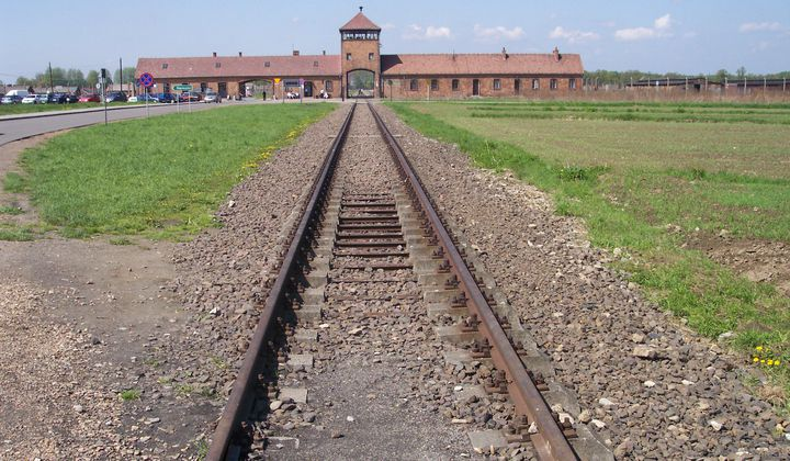 Experts Reconstruct Letter by Auschwitz Prisoner