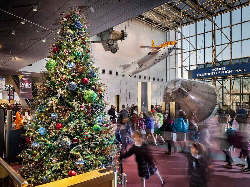 christmas day is the only day of the year you cant go to the smithsonian at the smithsonian smithsonian - What Time Does The Mall Close On Christmas Eve
