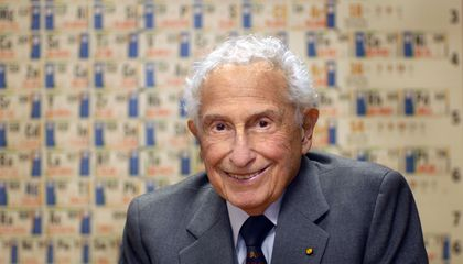 Stanford Ovshinsky Might Be the Most Prolific Inventor You've Never Heard Of