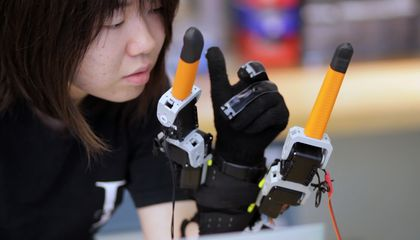 Multitask Like Never Before With These Robotic Fingers