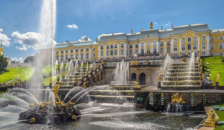 Explore the Many Lives of These Russian Palaces