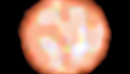 Astronomers Get Best Look Yet at the Surface of a Red Giant Star