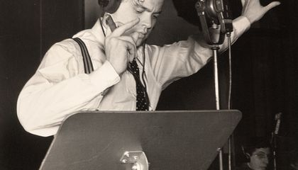 Fake Radio War Stirs Terror Through US: Orson Welles' War of the Worlds turns 70