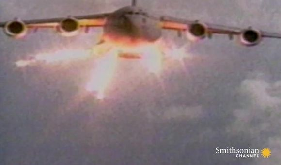 Preview thumbnail for video'Are Terrorists Targeting Civilian Planes with Stolen Arms?