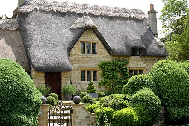 Thatched cottage Chipping Campden Gloucestershire England