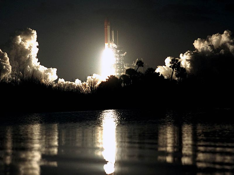 Columbia-night-launch-STS-61C.jpg