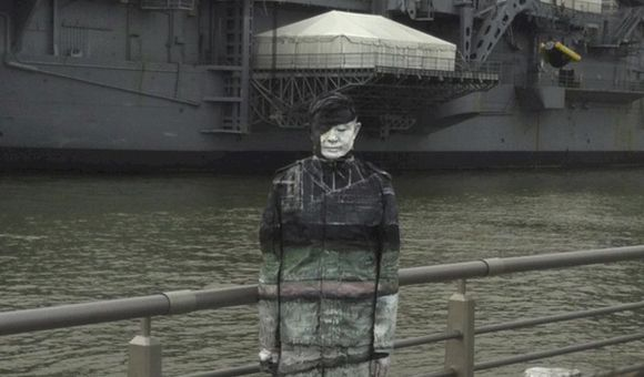 Preview thumbnail for video'How does Liu Bolin Make Himself Invisible?
