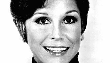 Remembering Mary Tyler Moore and Her Groundbreaking Sitcom That Almost Wasn't