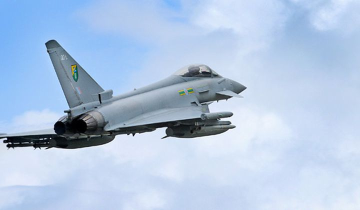Why are the Eurofighter's wingtips different?