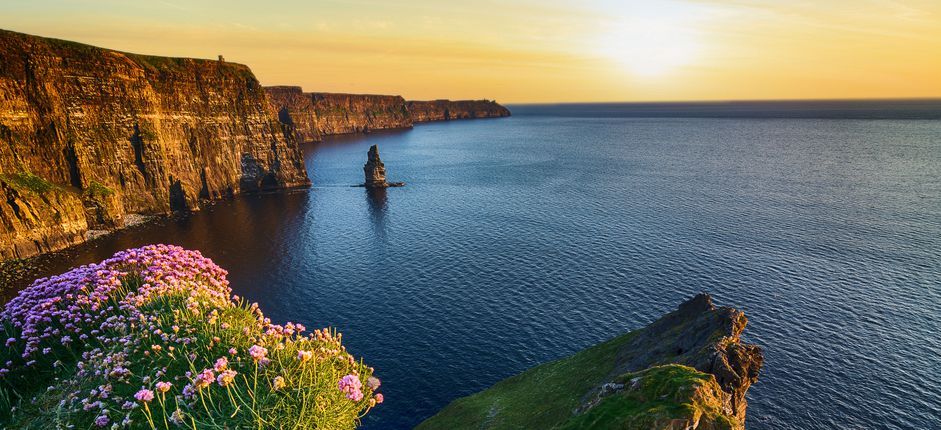 Tailor-Made Travel to Ireland: Self Drive <p>Take guided tours of Belfast, the Giant's Causeway, and Dublin before picking up your rental car to explore the Ring of Kerry, Connemara's wild beauty, and the Cliffs of Moher on this custom trip.</p>