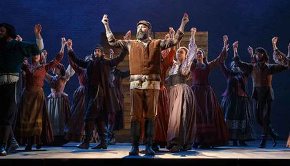 """The Broadway Revival of """"Fiddler"""" Offers a Profound Reaction to Today's Refugee Crisis"""