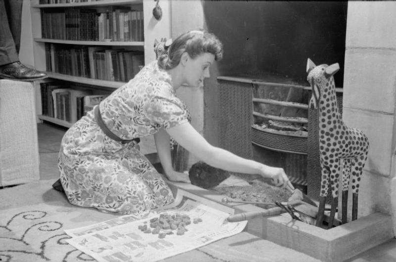 Part of the housework of a London housewife, 1941
