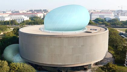 Hirshhorn Board Divided on Future of the Bubble Project; Director Resigns
