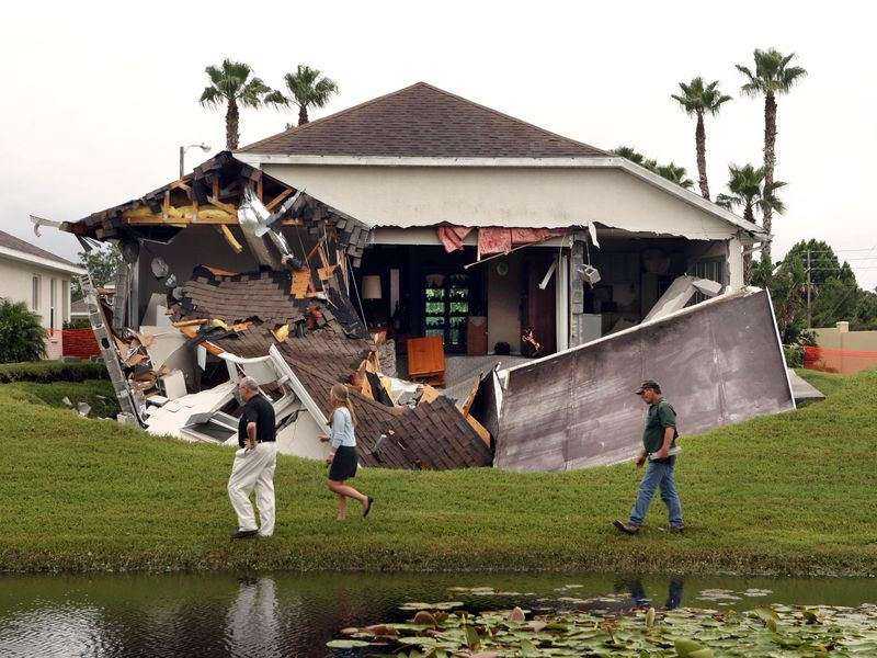 The Science Behind Florida S Sinkhole Epidemic Science Smithsonian