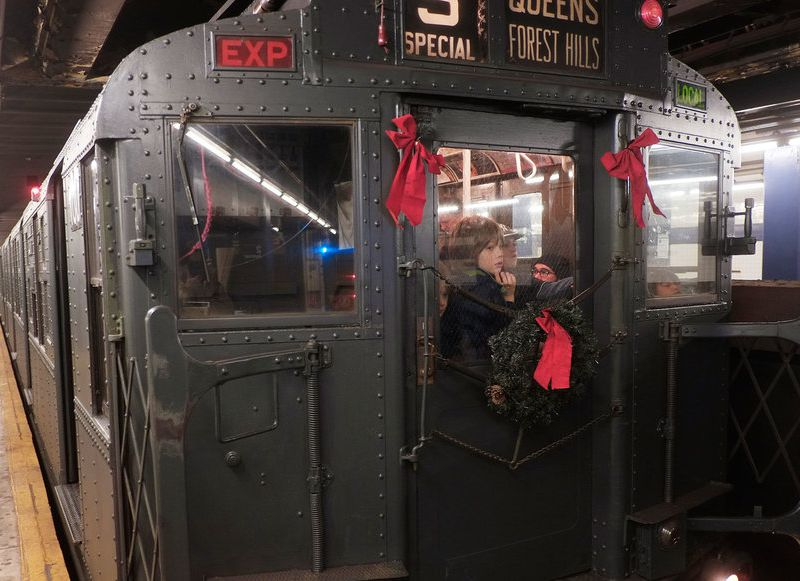 New York City S Holiday Vintage Subway Trains Are Back Travel
