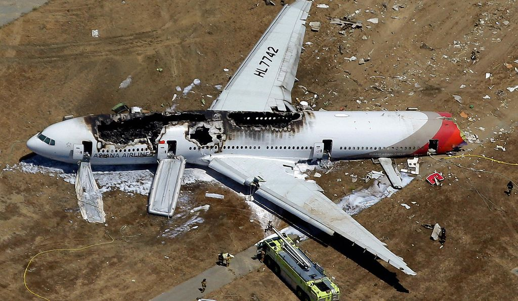 Four Asiana Airlines flight attendants were injured when the seats they were strapped into broke loose from the separated tail section of a Boeing 777 that crash-landed in San Francisco in August 2013. Three passengers died; the flight attendants were among the 187 people injured. Crew member Lee Yoon-hye helped passengers escape despite a broken tailbone. She was the last to exit the flaming wreckage.
