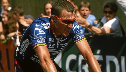 Lance Armstrong Surrenders Against Doping Charges and Will be Banned for Life