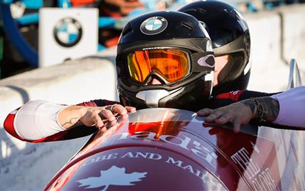 It's a first: women race against men in bobsleds