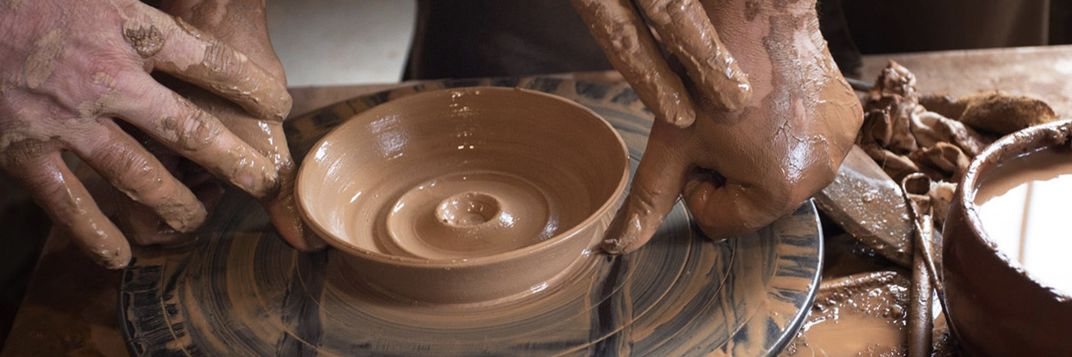 Learn to throw pottery from an Armenian master image